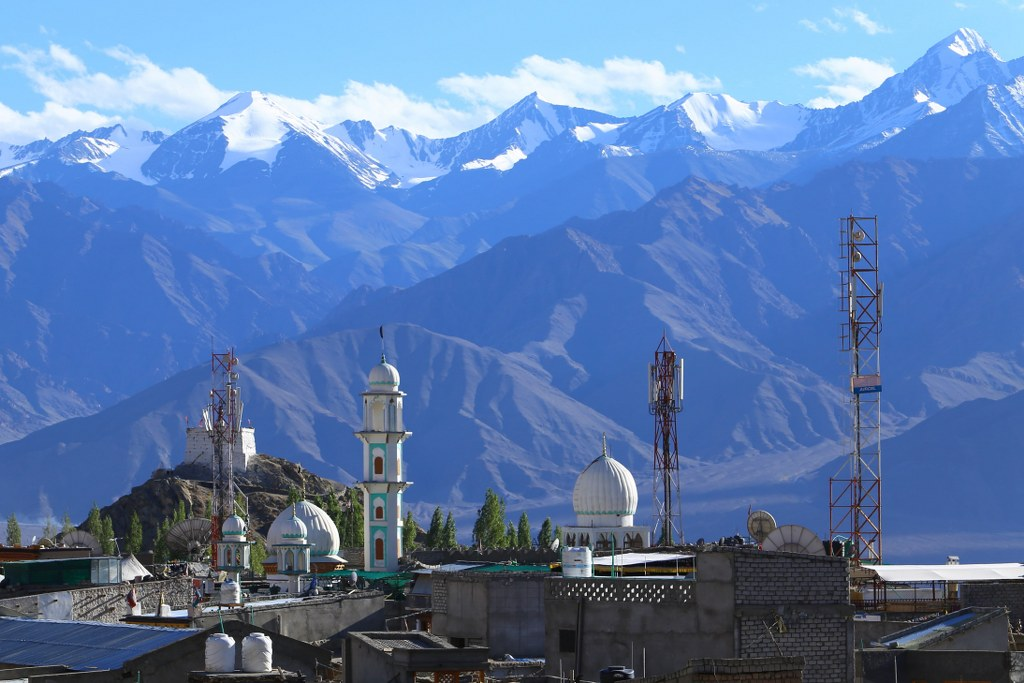 gompa_the_himalayan_buddism_place_of_prayers