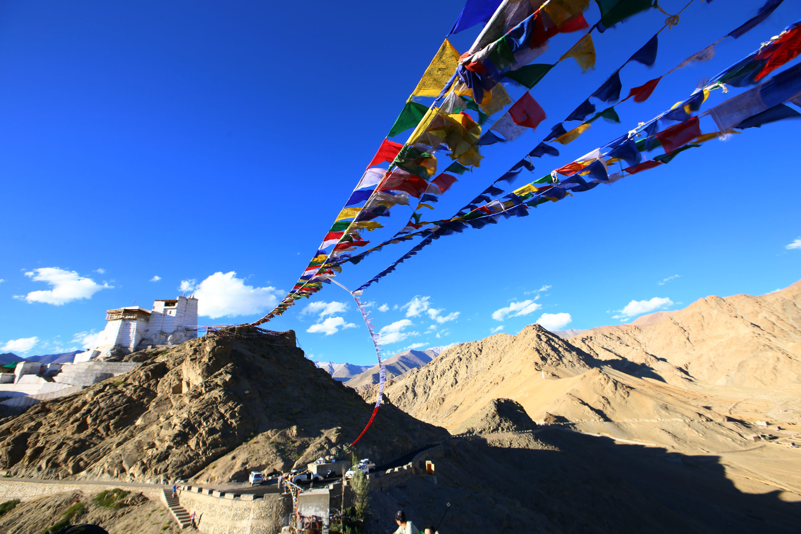 colourful-buddism-flags-at-the-top