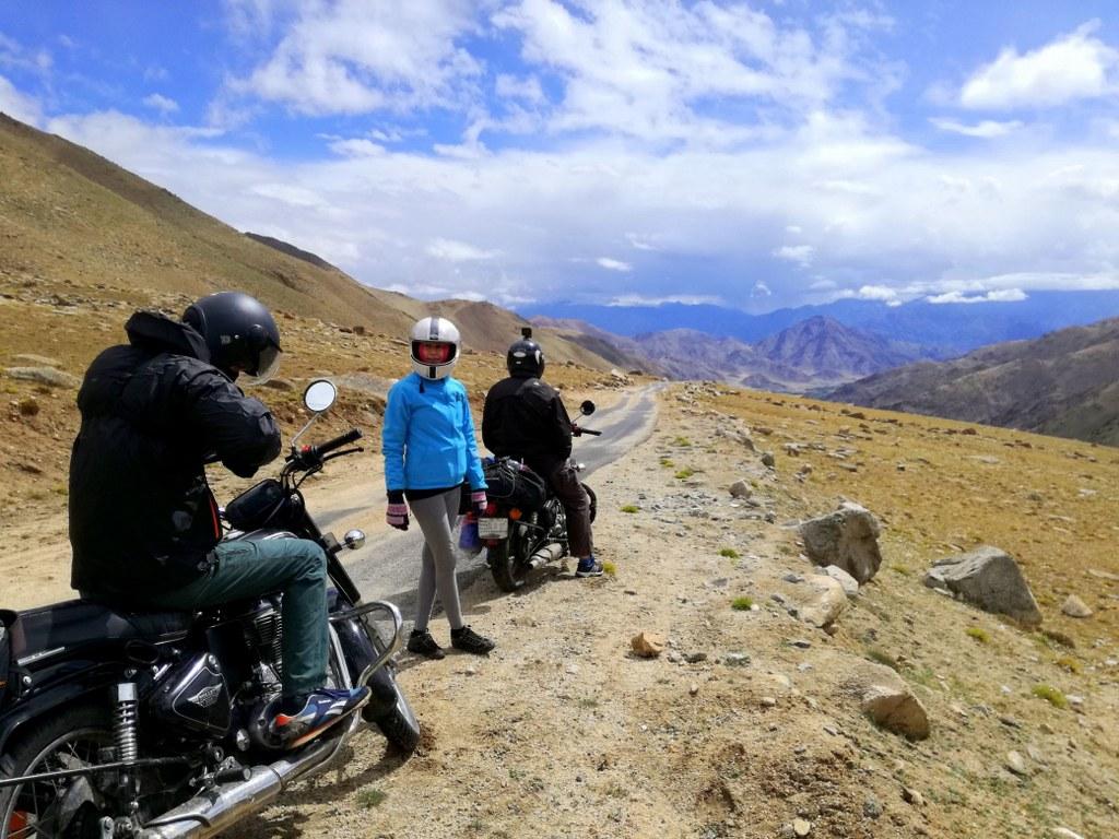 motos_trip_across_himalayas