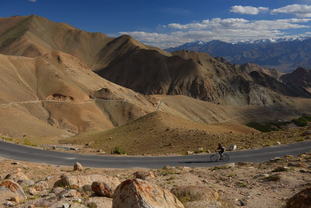 through-the-himalayas-on-a_bicycle