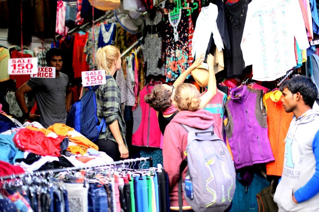 an_indian_shop_selling_colorful_clothes