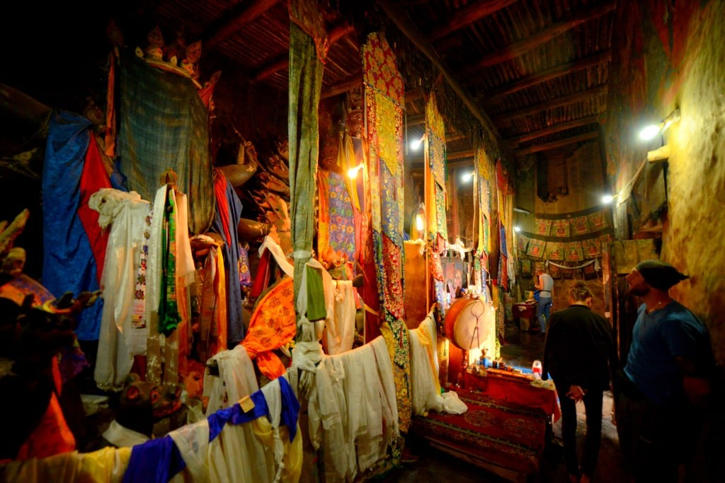 coloufully_decorated_altar_in_honor_of_one_of_inidnas_god