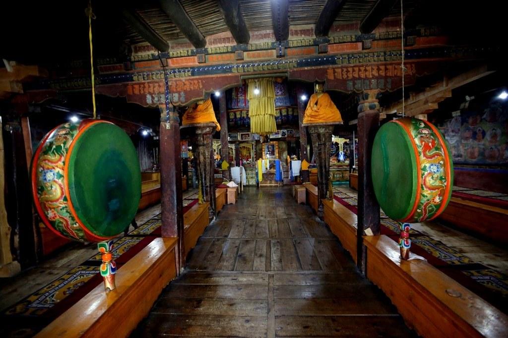 interior_of_himalayan_monastery