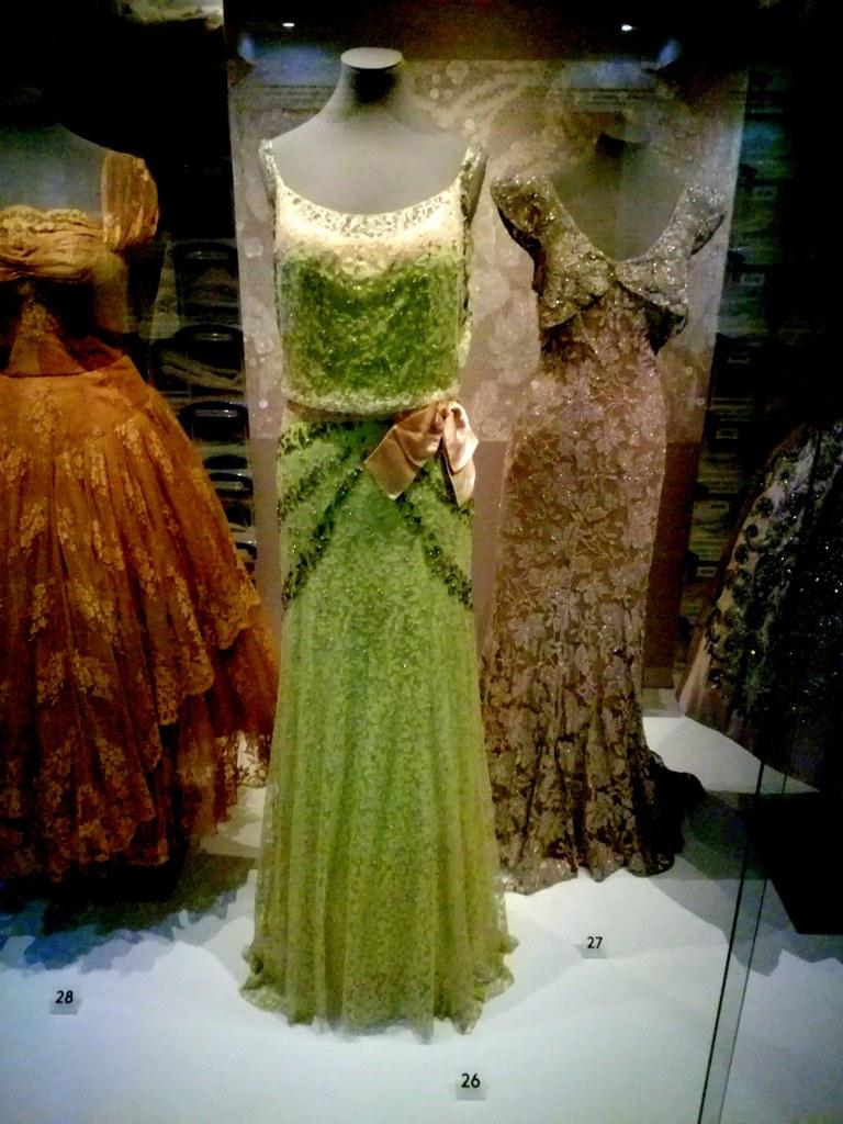 smart_green_coctail_dress