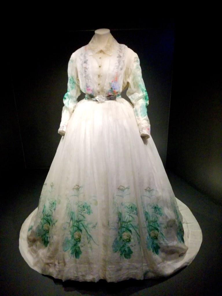 very_elegant_white_womans_dress