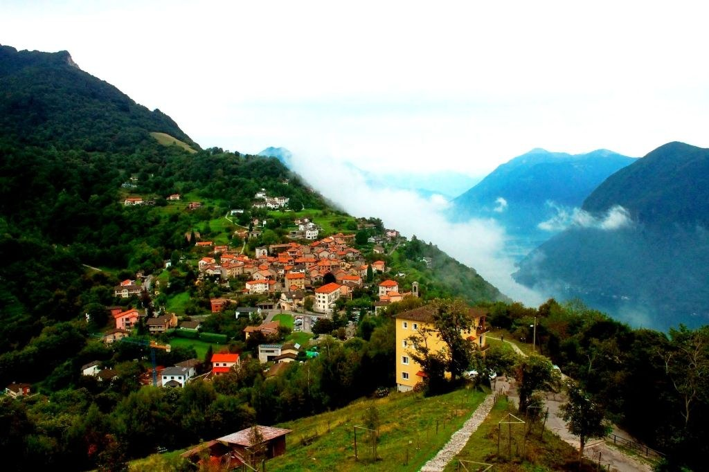 italina_villeage_in_mountains