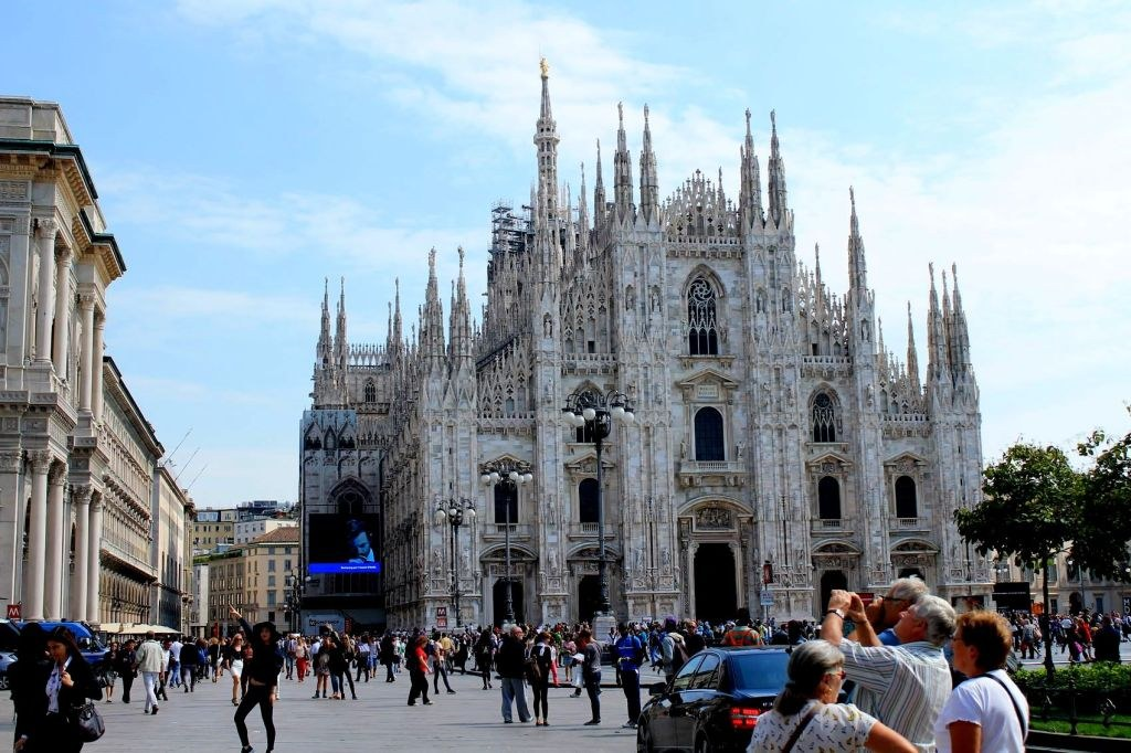the_main_cathedral_in_milan_named_duomo