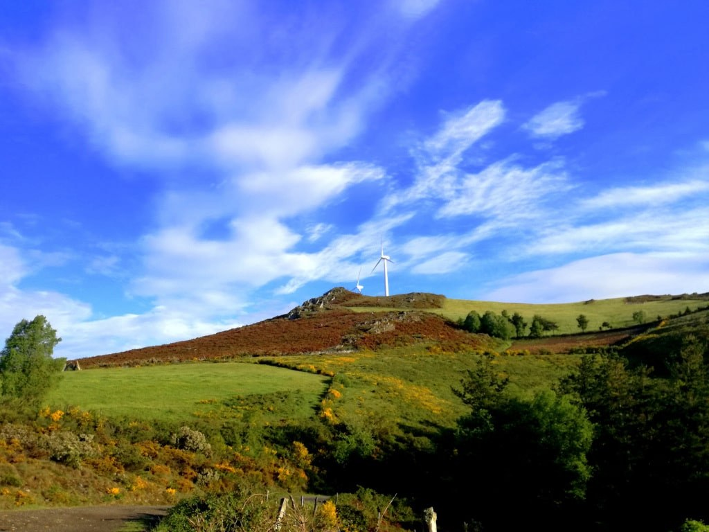 windmills_on_a_top_of_a_hill