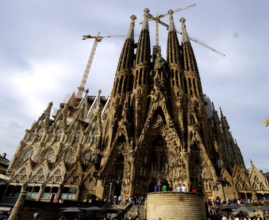 amazing_sagrada_familia_in_barcelona