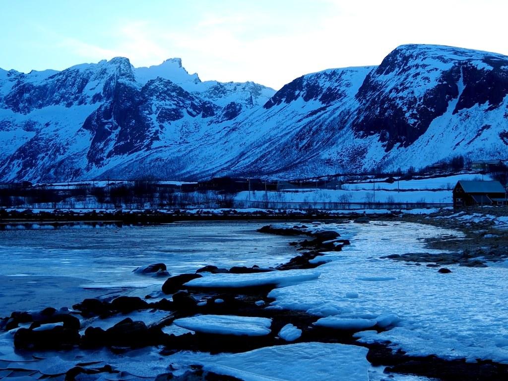 iced_norwegian_landscape