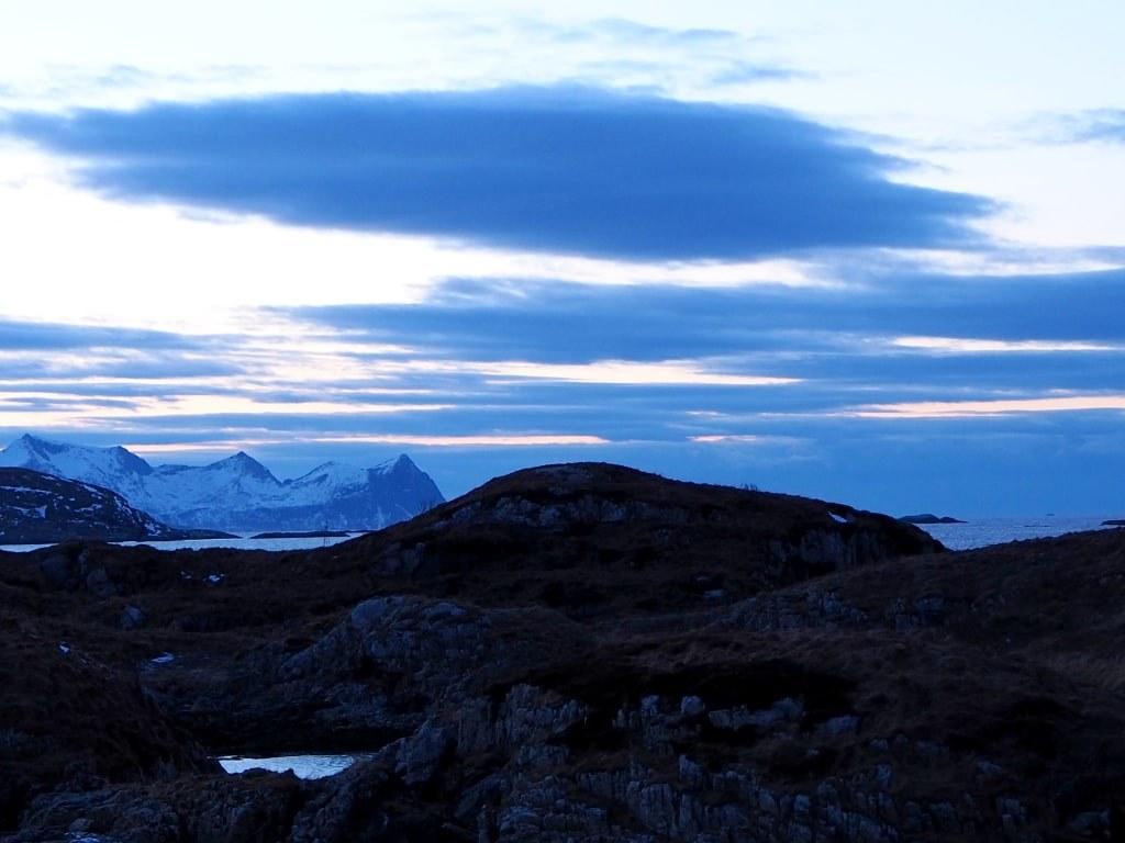 norwegian_island_in_a_light_of_a_late_sun