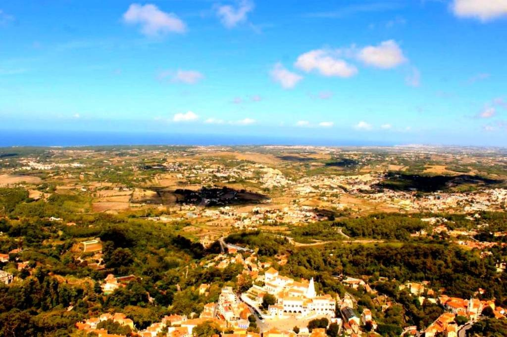 a_view_from_the_highest_point_in_sintra