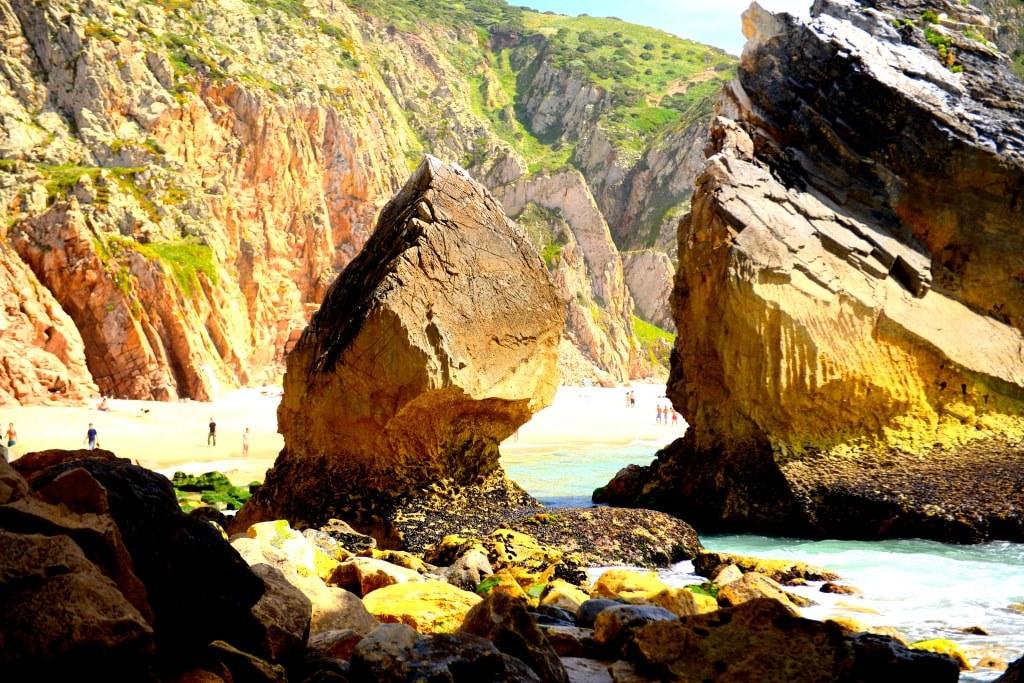rocky_coast_in_portugal