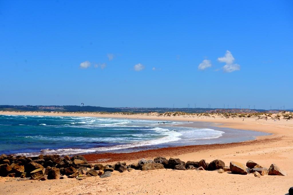 sandy_beach_in_peniche_in_portugal