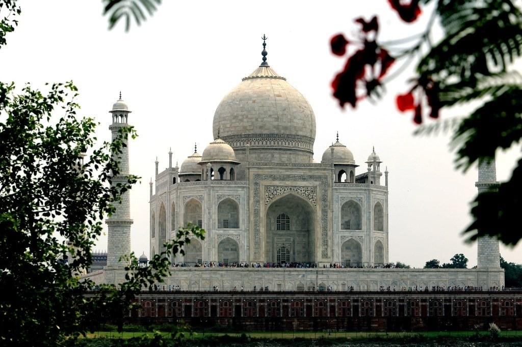a_beautiful_taj_mahal_in_india