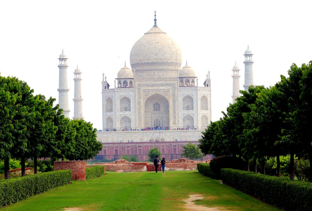 one_of_the_seven_modern_world_miracles_the_taj_mahal