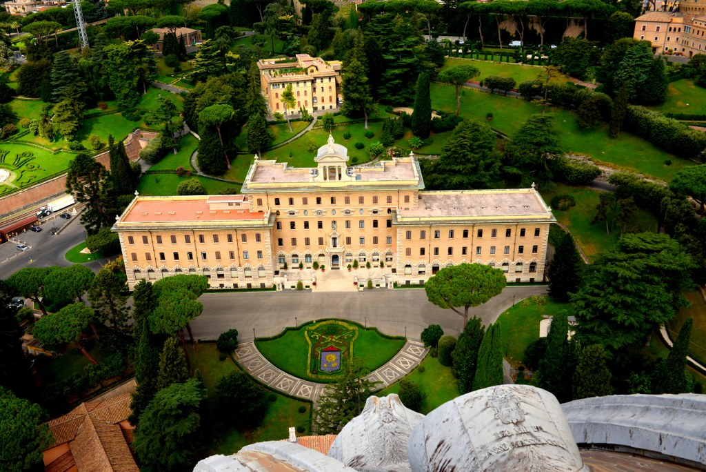 a_view_to_vatican_gardens_from_the_copola