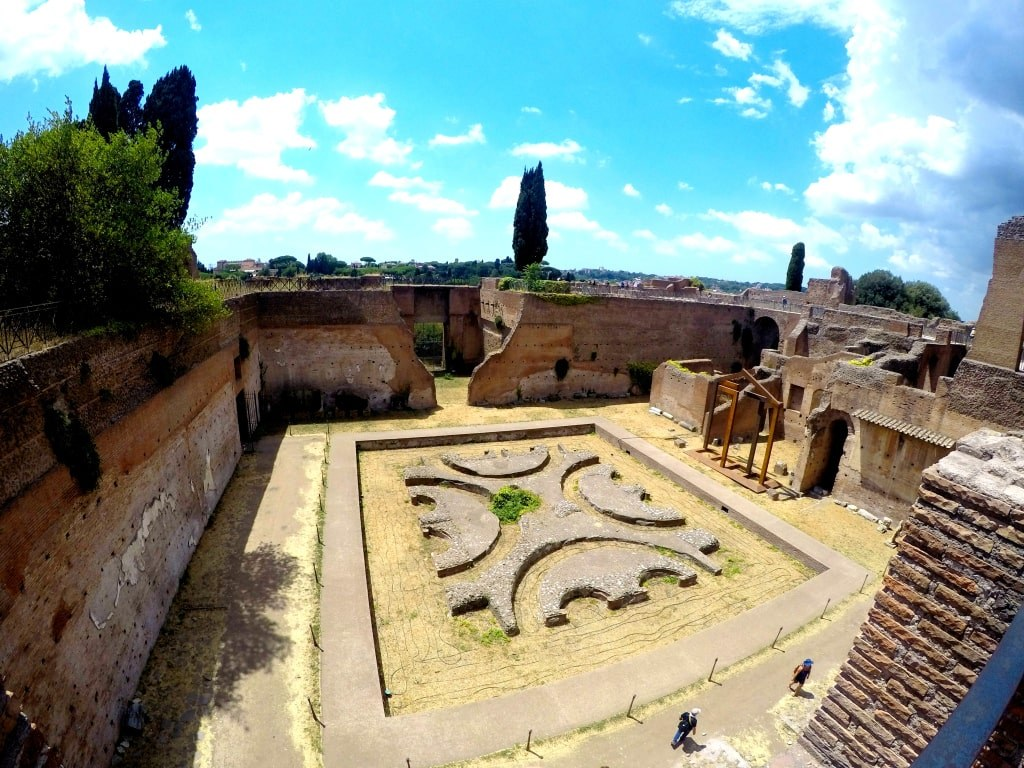 ancient_square_in_rome