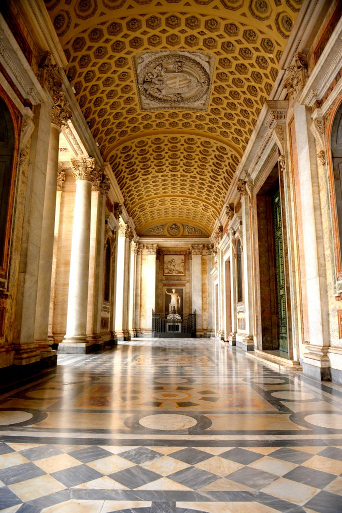inside_of_a_cathedral_in_lateran_in_rome