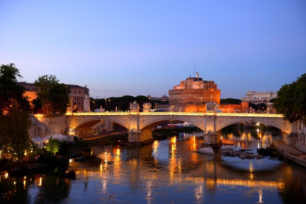 night_view_of_rome