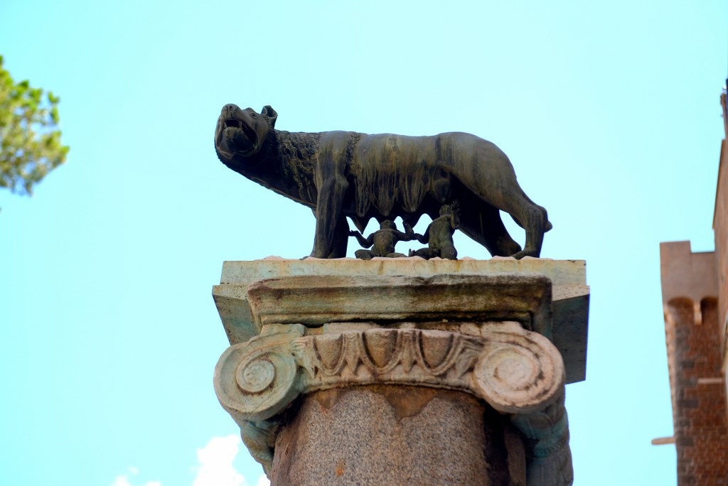 she_wolf_the_symbol_of_rome