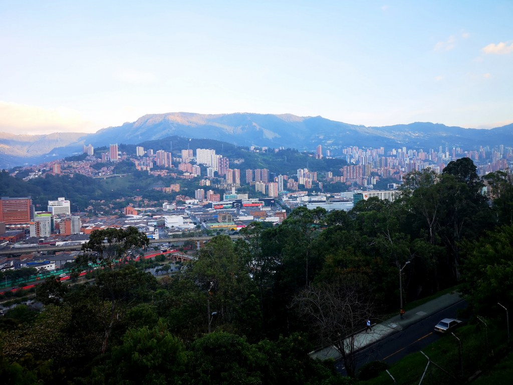 skyscraperes_of_medellin_colombia