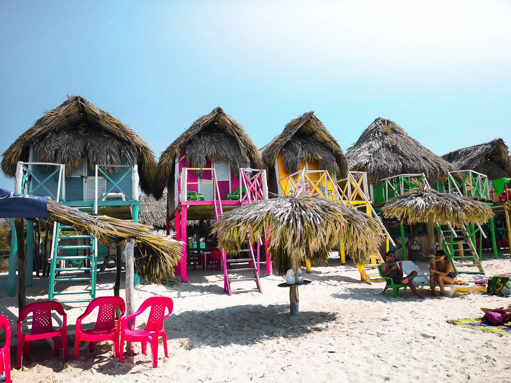 colorful_little_houses_on_a_carribean_seaside