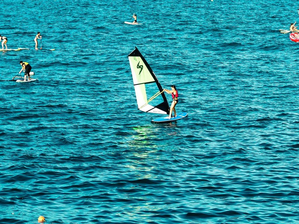 a_men_sailing