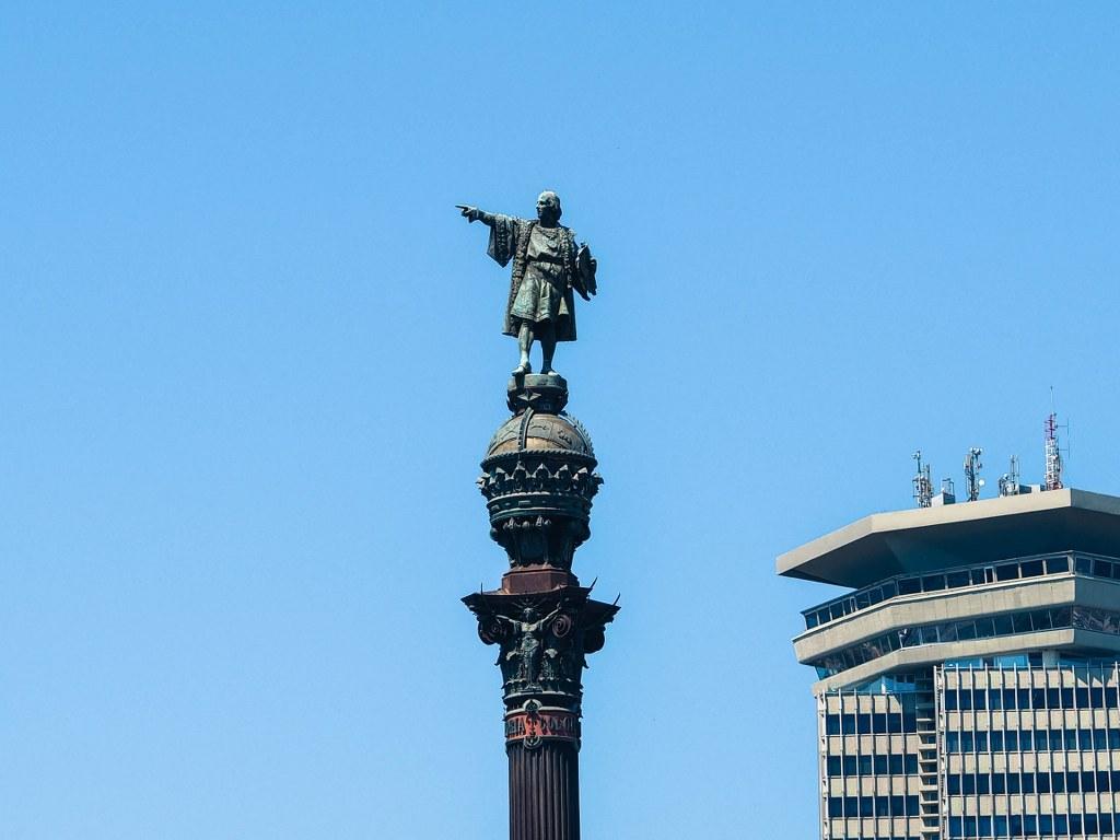 a_top_part_of_columbus_column_in_barcelona