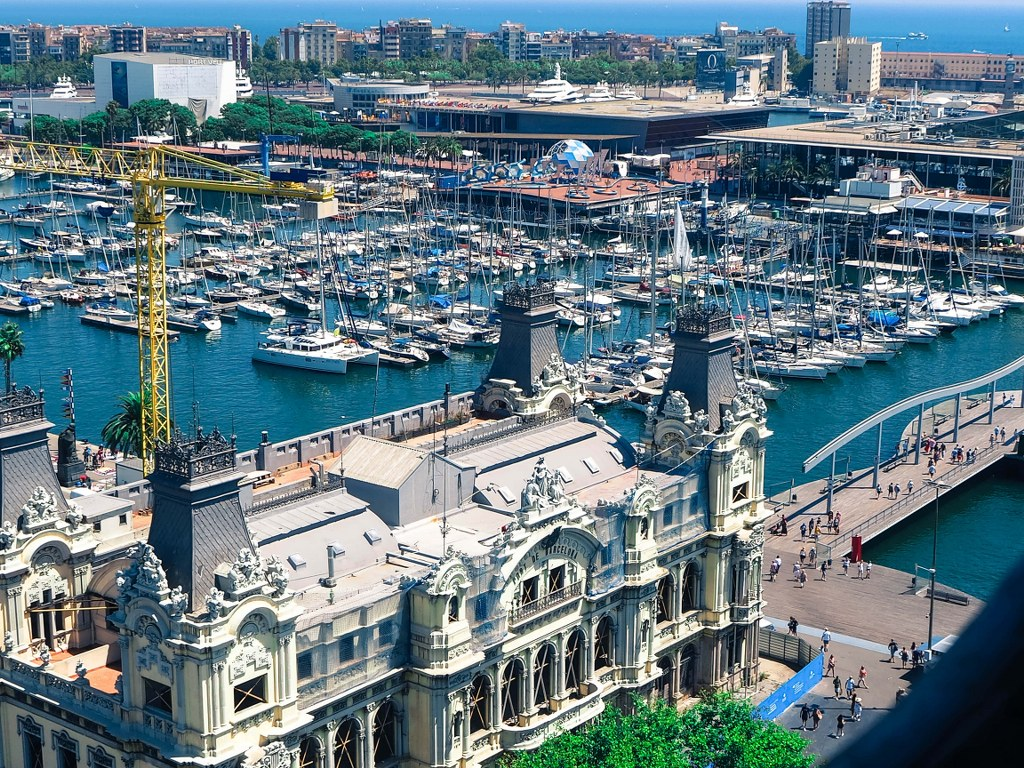 a_top_view_to_a_harbour_in_barcelona