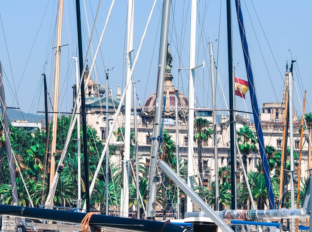 barcelona_harbour_with_dozens_of_sailboats