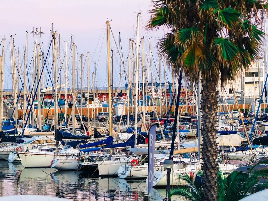 barcelonas_wide_harbour
