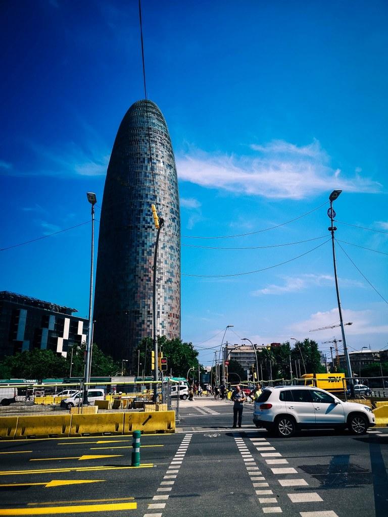 cucumber_shaped_bulding_in_barcelona