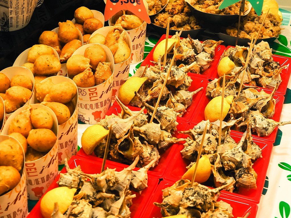 fish_stand_in_a_market_in_barcelona