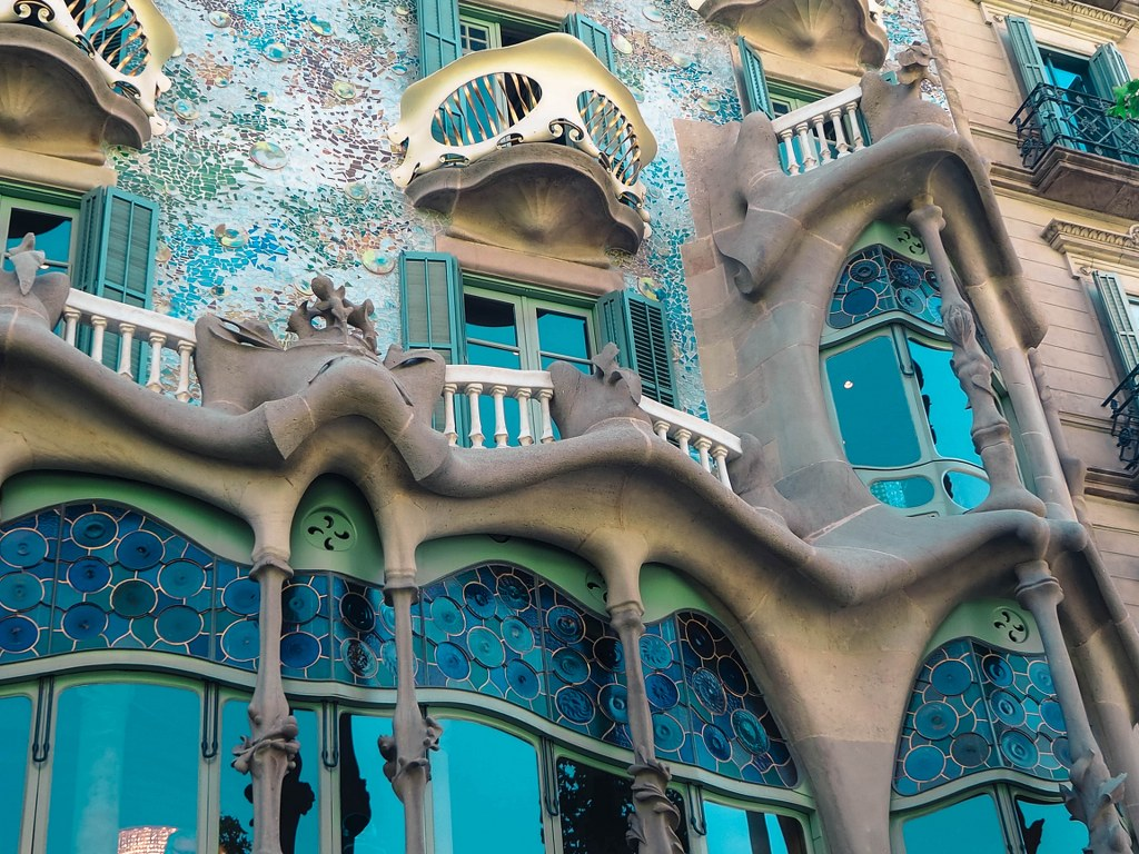 one_of_famous_gaudi_houses_in_barcelona