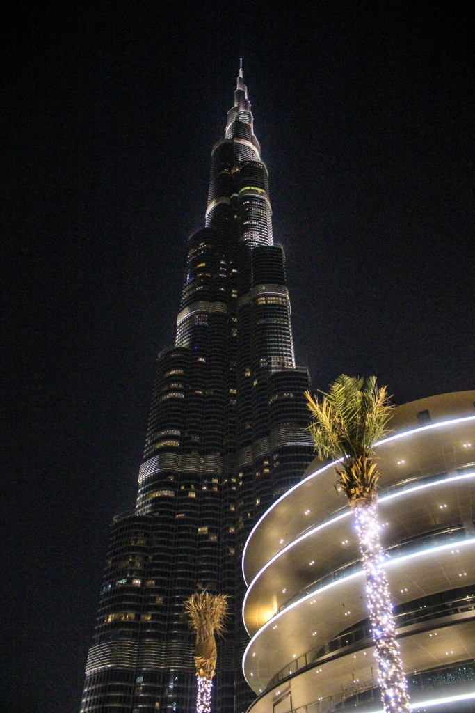 the_highest_bulding_in_the_world_view_at_night