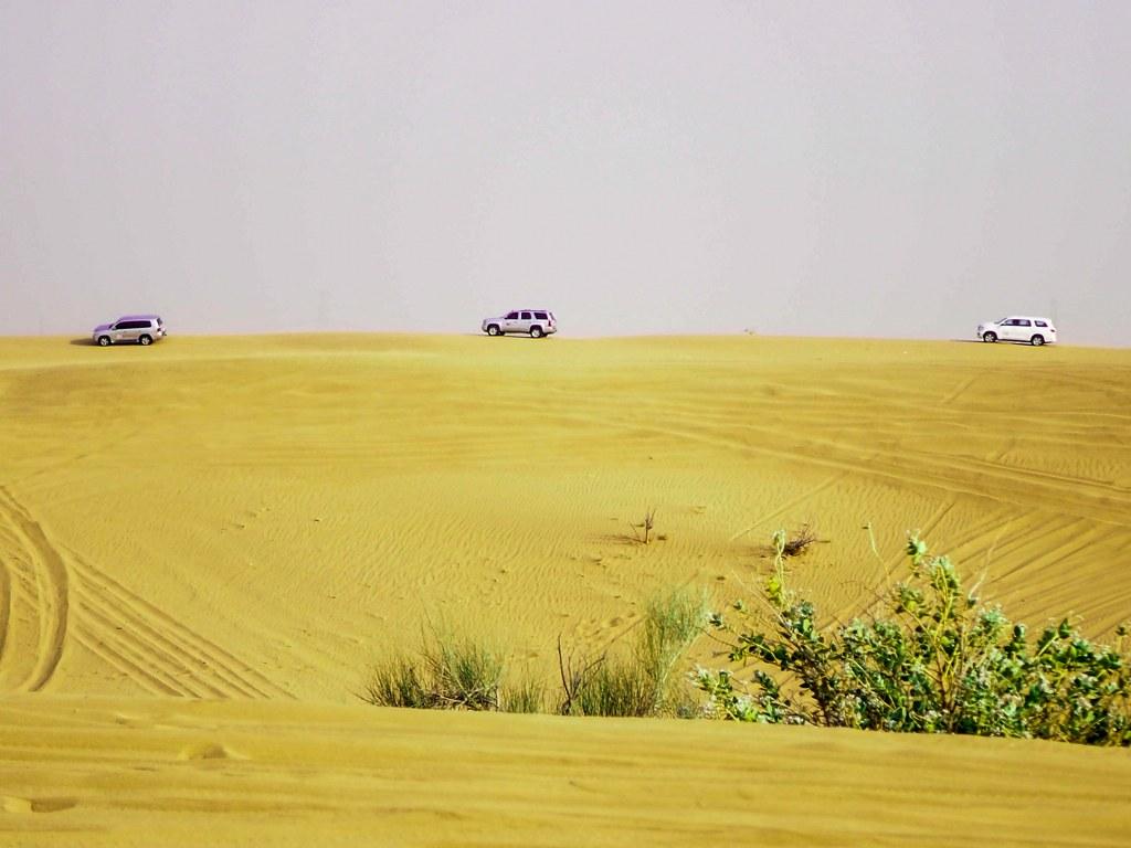 yellow_sand_desert_in_dubai