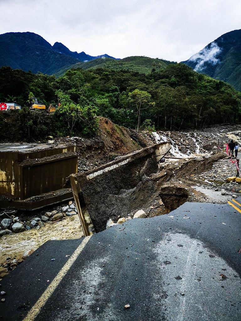 broken_bridge_in_andean_river