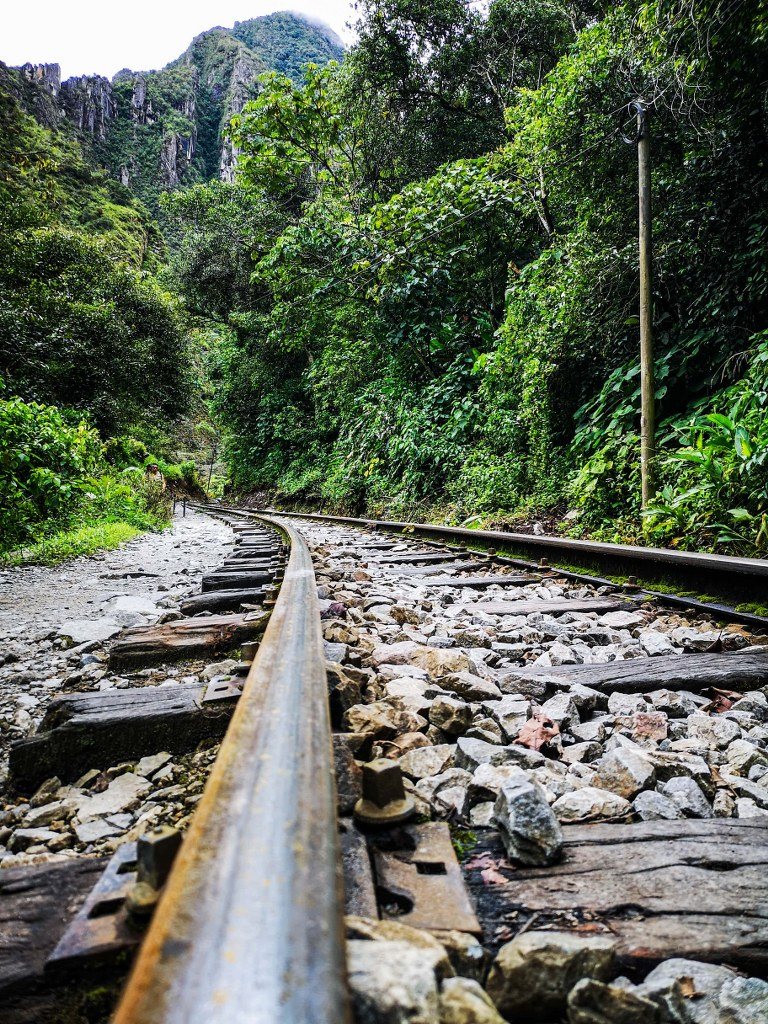 railway_in_andes