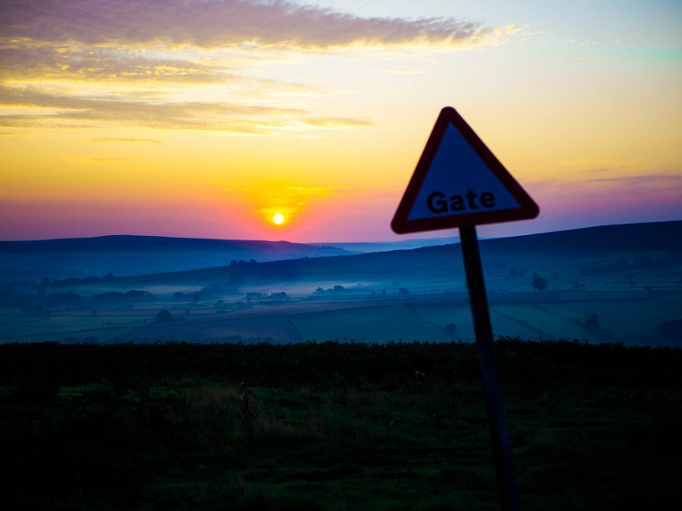 sunrise_over_the_yorkshire_moors