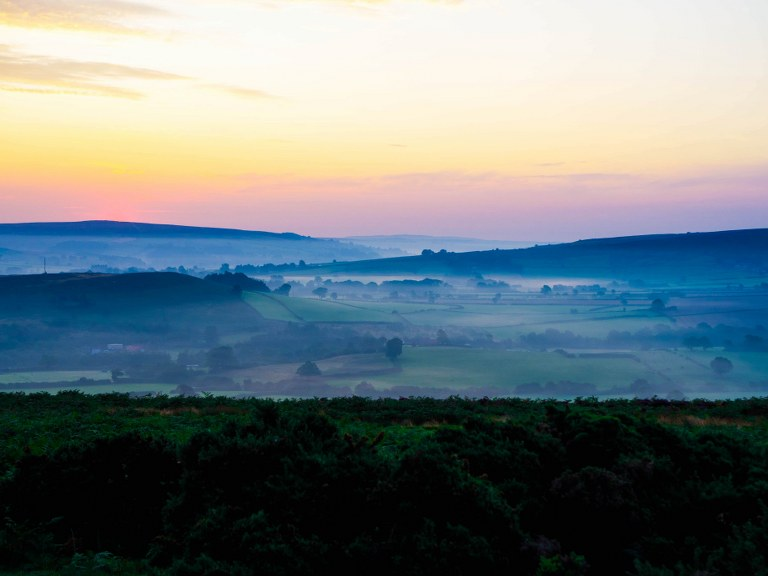 yorkshire_moors_in_sunlight