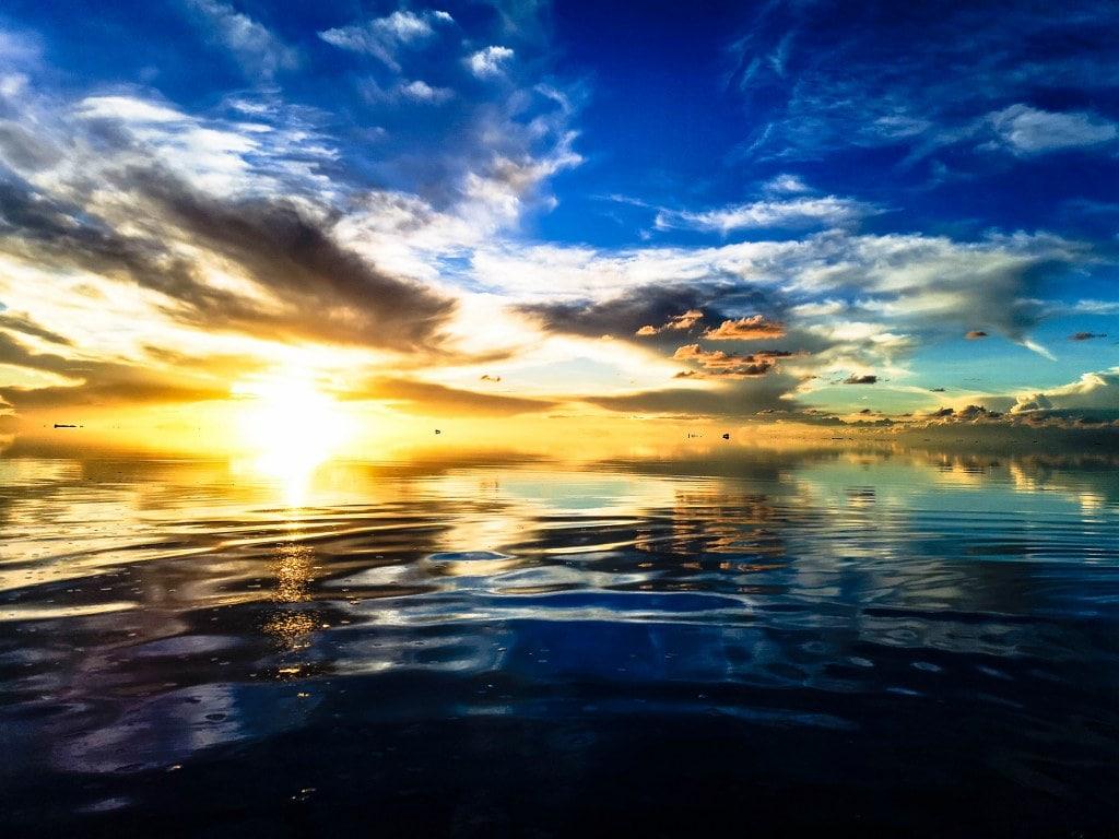 colourful-sunset-salar-de-uyuni
