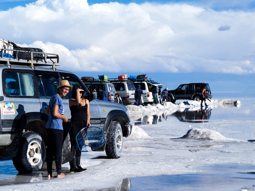 jeeps-and-people-in-boliwian-altiplano