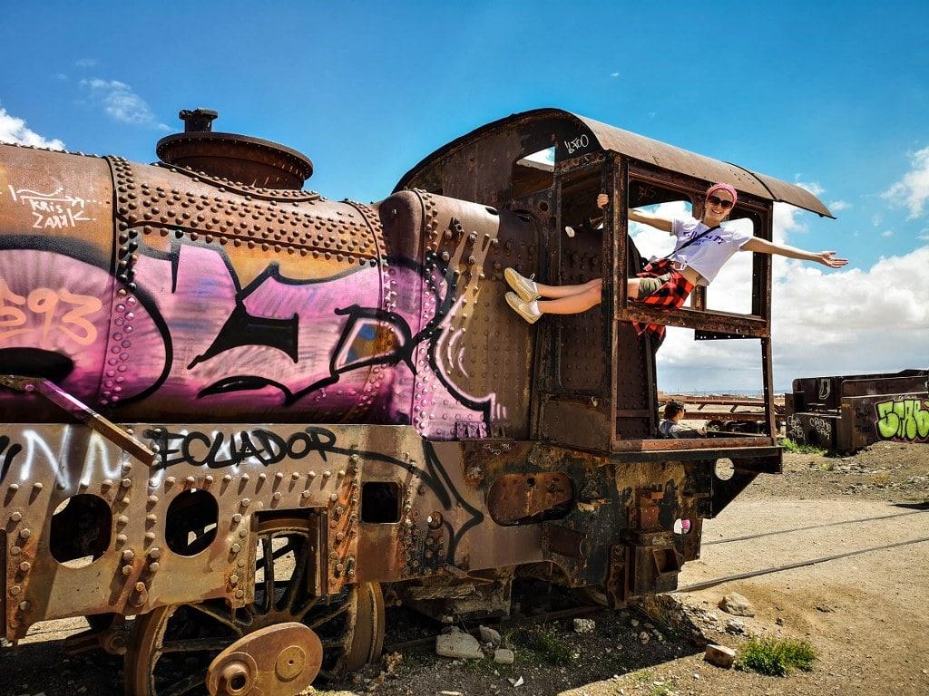 old-rusty-train-in-boliwia