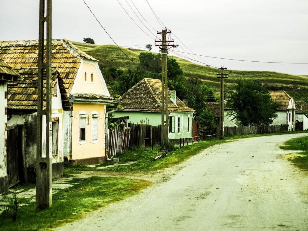romanian-abandoned-street