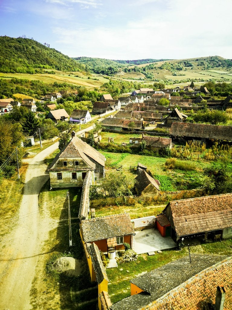 roof-view-in-romanian-villeage
