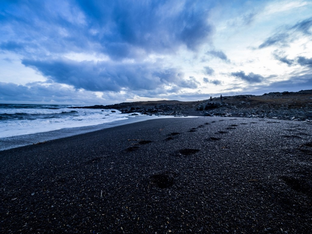 iceland-volcanic-black-beach
