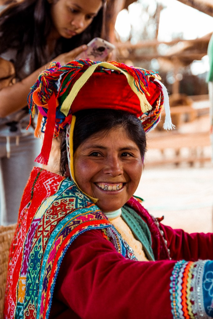 boliwian woman in traditional clothes