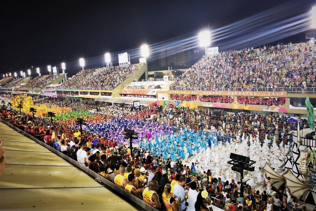 samba-school-show-in-sambodromo-in-rio