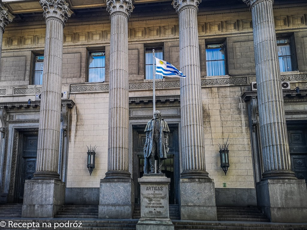 government-building-montevideo